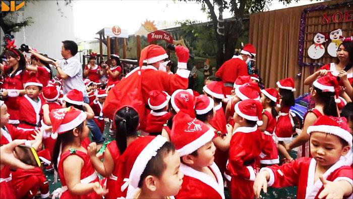3.4 - Tổ chức giáng sinh cho khu chung cư đáng nhớ