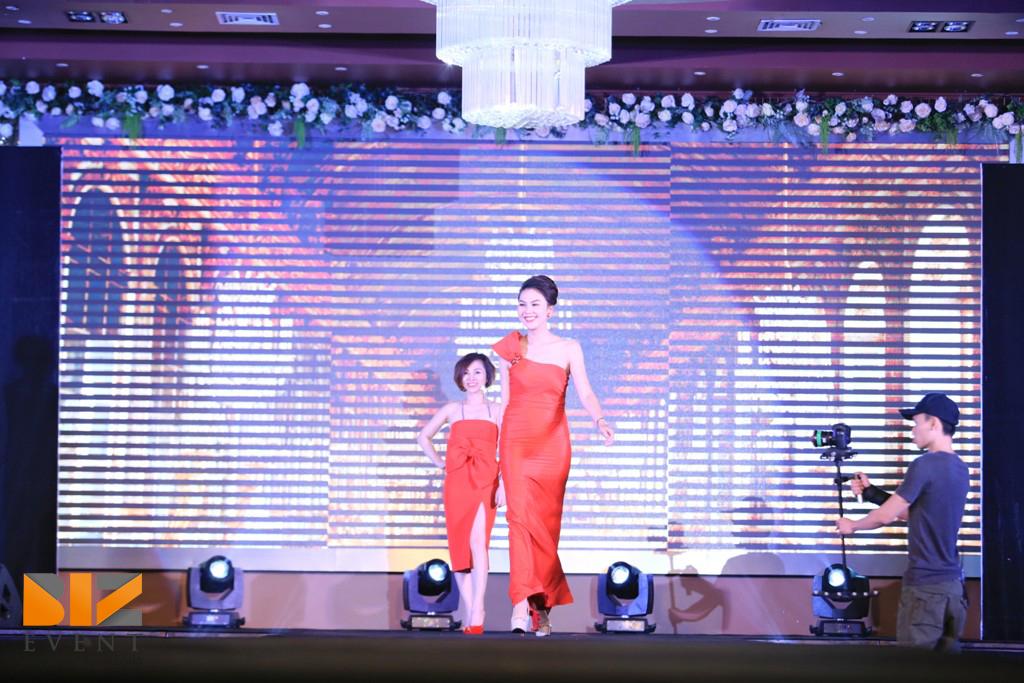 """IMG 3210 cho thue ca si cho thue ban nhac cho thue nhom nhay cho thue nguoi mau - Biz Event dựng sân khấu cho đêm """"Deep Fashion Show"""" của NTK Tuyết Lê"""