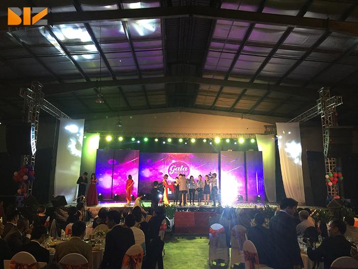 biz event cho thue am thanh anh sang to chuc su kien tiec cuoi nam mi cung dinh3 - Biz Event setup âm thanh ánh sáng và màn hình LED cho Gala Micoem 2017