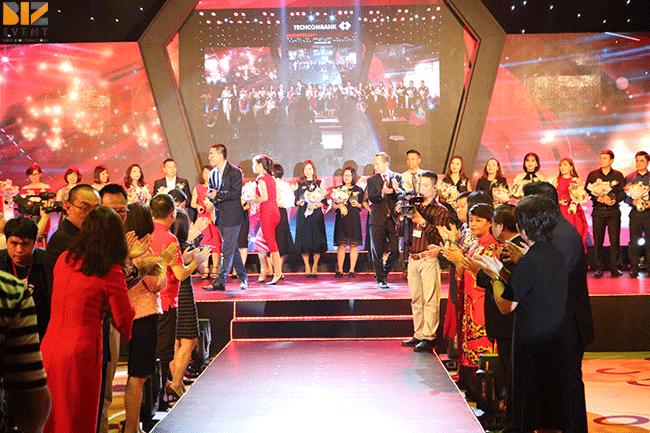 cho thue san khau tai ha noi biz event - Cho thuê sân khấu tại Hà Nội, thiết kế sân khấu nhà bạt chuyên nghiệp