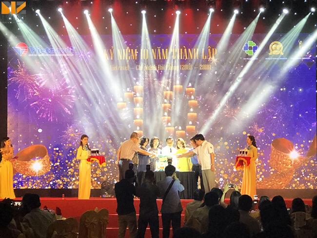 cho thue thiet bi le ky niem thanh lap cong ty - BIZ EVENT set up Lễ Kỷ Niệm 10 Năm Thành Lập VietTravel
