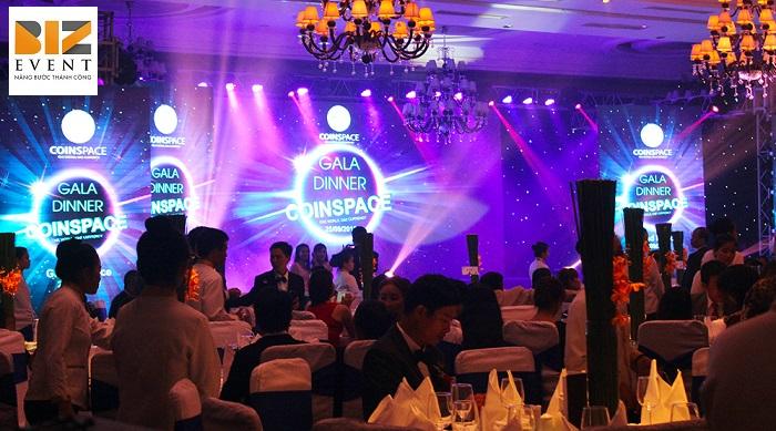 Dịch vụ tổ chức gala dinner chuyên nghiệp Biz Event