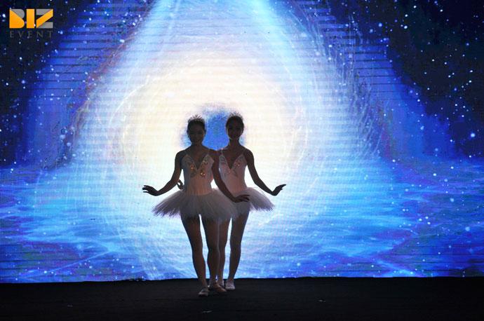 mua tuong tac man hinh led - Cho thuê nhóm múa tương tác màn hình led trong tổ chức sự kiện
