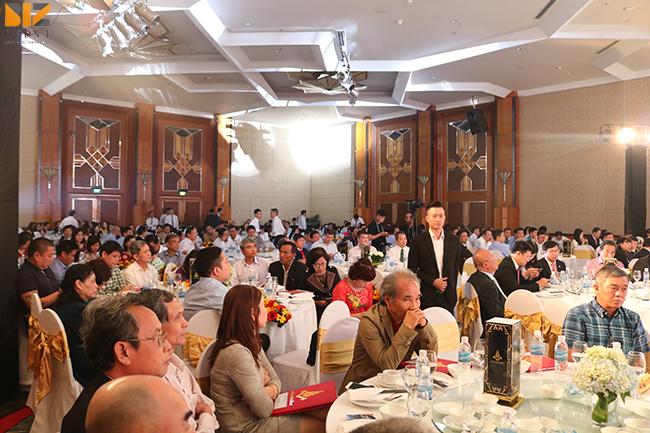 nhan su su kien - Biz Event set up Hội nghị tổng kết Vinataba Tổng Công Ty Thuốc Lá VN