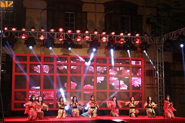 thiet bi su kien min - Biz Event set up Lễ Tri Ân và Trưởng Thành trường THPT Trần Phú