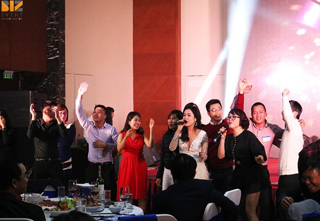 to chuc chuong trinh gala dinner 2 - Biz Event đồng hành cùng Ngày hội Khách Hàng Doanh Nghiệp của Mobifone