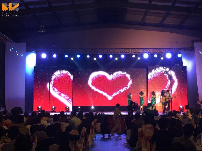 Cho thuê Màn LED, Màn chiếu, Máy chiếu, Nhà giàn, Nhà bạt, Sân khấu tại Hà Nội