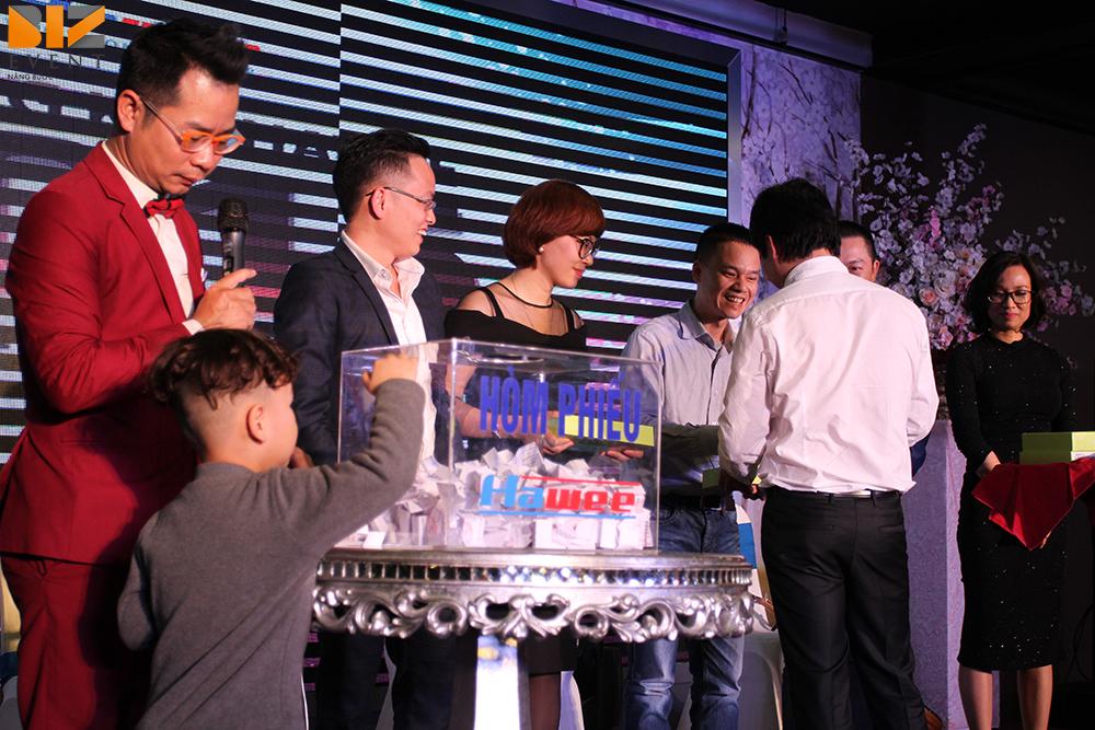 to chuc su kien biz event to chuc le tong ket cuoi nam gala dinner tap doan hawee 5 - Biz Event tổ chức lễ kỷ niệm thành lập công ty