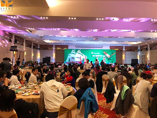 to chuc su kien chuyen nghiep - BIZ EVENT set up chương trình team building kết hợp gala Bảo hiểm Manulife