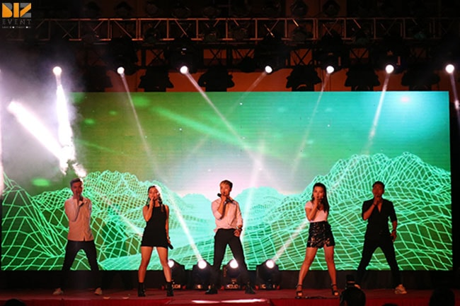 to chuc su kien min - Biz Event set up Lễ Tri Ân và Trưởng Thành trường THPT Trần Phú
