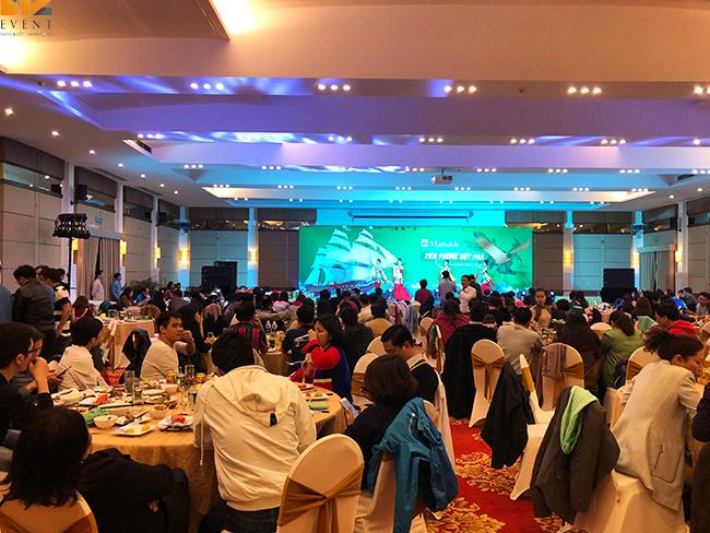 to chuc tat nien cuoi nam - BIZ EVENT set up chương trình team building kết hợp gala Bảo hiểm Manulife