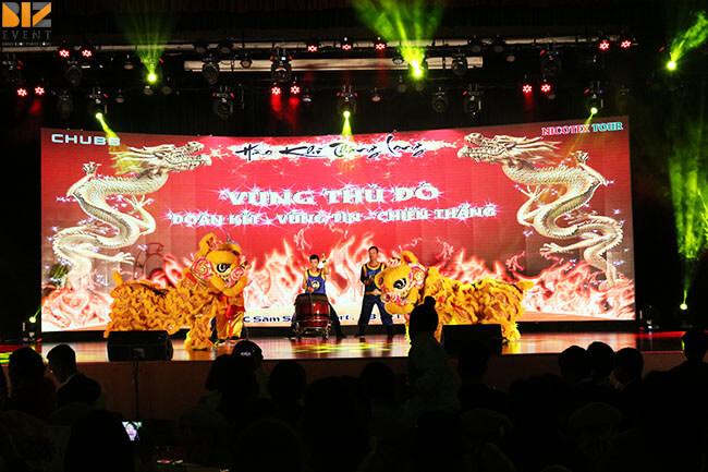 trang trí sân khấu đêm gala dinner
