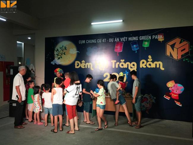 trung thu 1 - Biz Event tổ chức đêm hội trăng rằm tại cụm Chung Cư 4T Việt Hưng