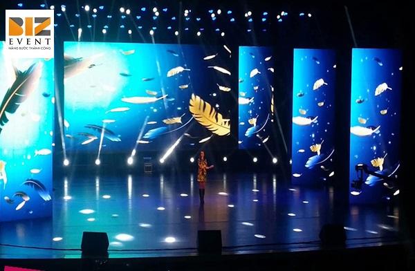 san khau - Cho thuê màn hình Led tổ chức hội nghị chất lượng