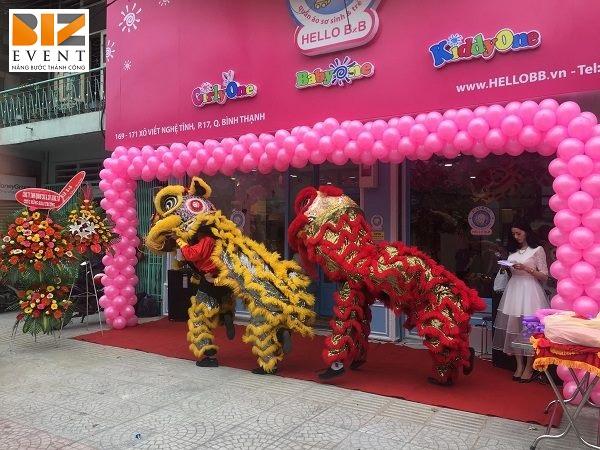 943798684692 - Tổ chức khai trương cửa hàng thời trang sáng tạo, tiết kiệm