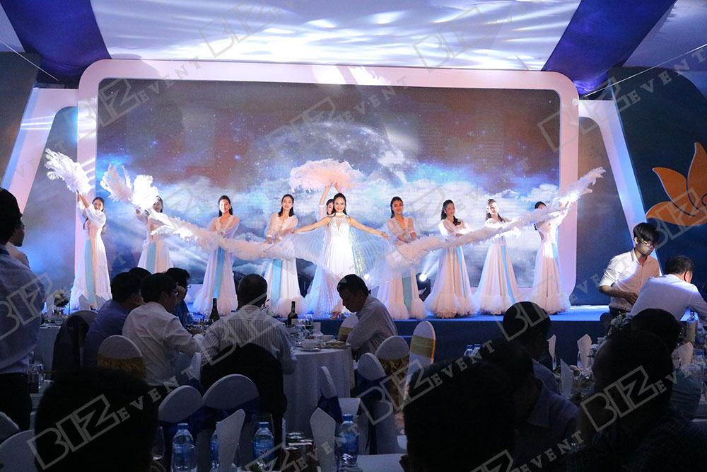 set up thiết bị tổ chức lễ tổng kết cuối năm cho Việt Nam Airline1