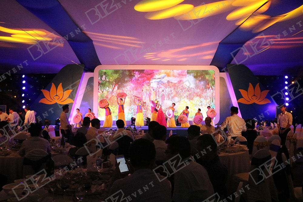 set up thiết bị tổ chức lễ tổng kết cuối năm cho Việt Nam Airline6