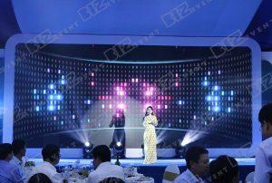 set up thiết bị tổ chức lễ tổng kết cuối năm cho Việt Nam Airline7