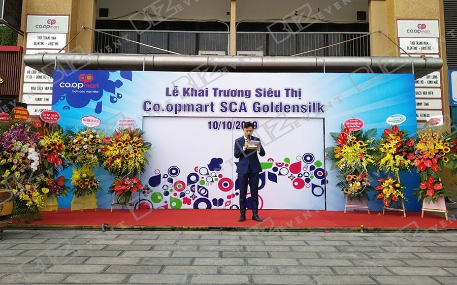 9 Khai Truong Sieu Thi Tai Ha Noi