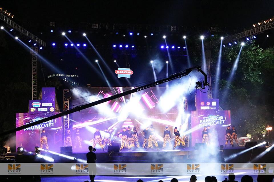 setup thiết bị âm thanh ánh sáng sự kiện 1