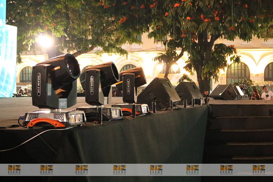 setup thiết bị âm thanh ánh sáng sự kiện 2