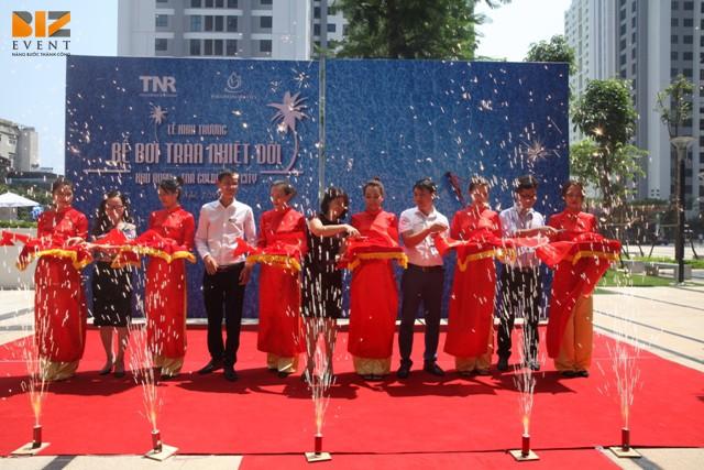 Tổ chức khai trương quận Long Biên